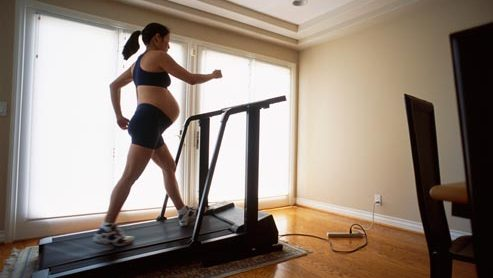 http://www.activeinsert.com/8-safe-workout-moves-to-do-while-pregnant/